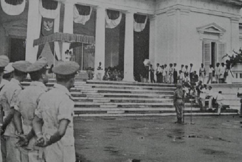 Soekarno keluarkan dekrit presiden 5 Juli 1959