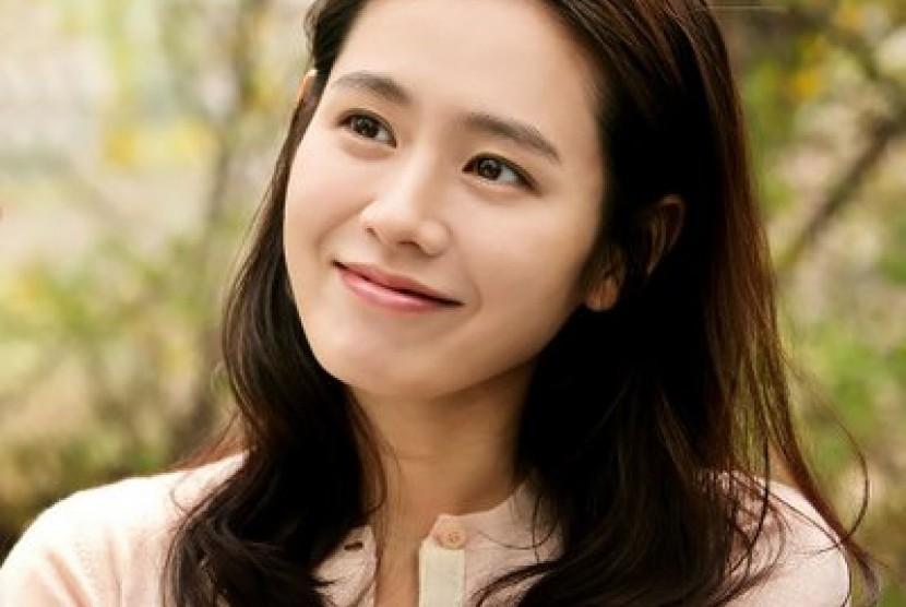Son Yejin Kembali ke Layar Kaca Setelah 5 Tahun
