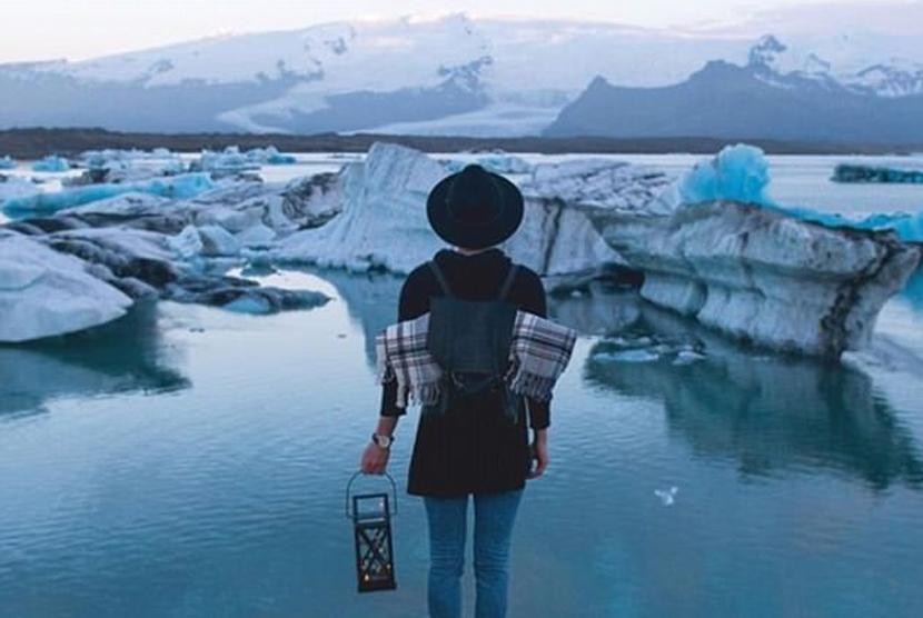 Permalink to Perempuan Ini Dibayar Mahal untuk Keliling Dunia