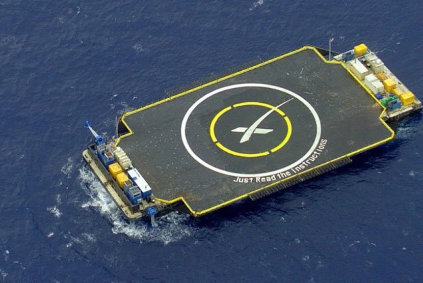 Space X akan mendaratkan roket di laut