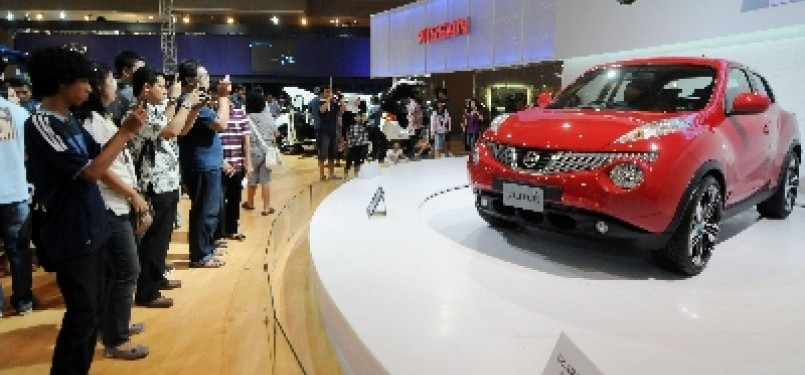 Stand Nissan di Indonesia International Motor Show (IIMS) 2011.