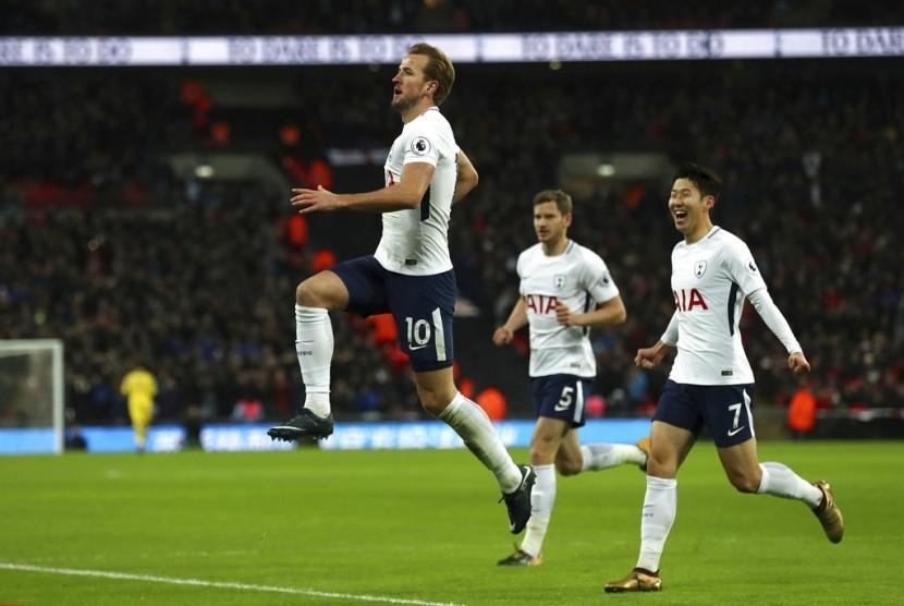 Liga Primer Sabtu Malam: Spurs Menang Besar, Chelsea Kalah