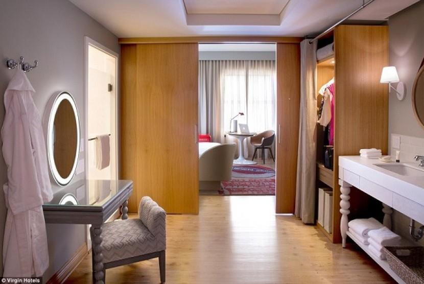 Keren hotel ini layani wisatawan dengan mesin republika for Dekor ultah di kamar hotel