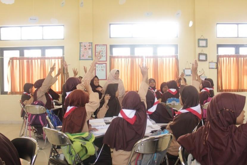 Suasana kegiatan kelas observasi yang diadakan oleh SMP Cendekia Baznas.