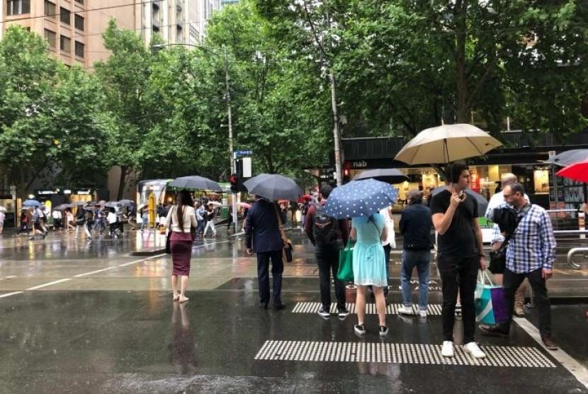 Badai Hujan dan Petir Berlanjut di Melbourne