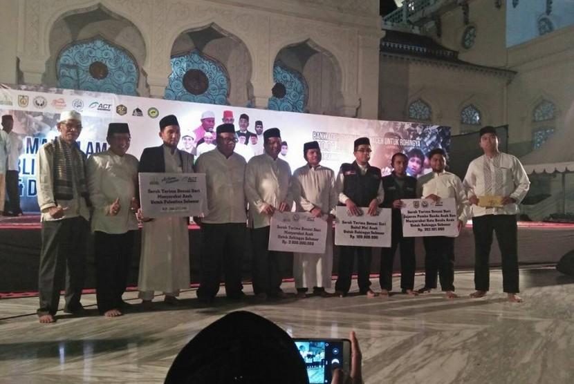 Ribuan Masyarakat Aceh Hadiri Tabligh Akbar Peduli Rohingya