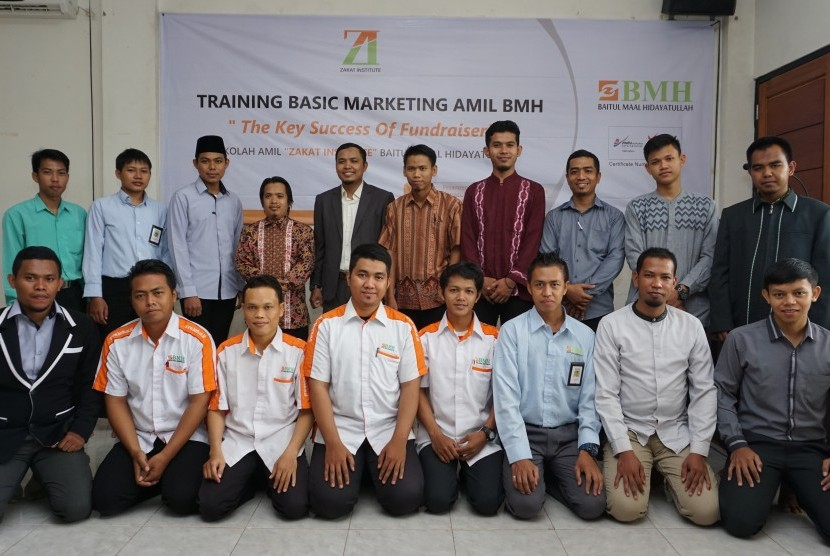 Suasana marketing basic training amil BMH yang diadakan di Depok (10/10).