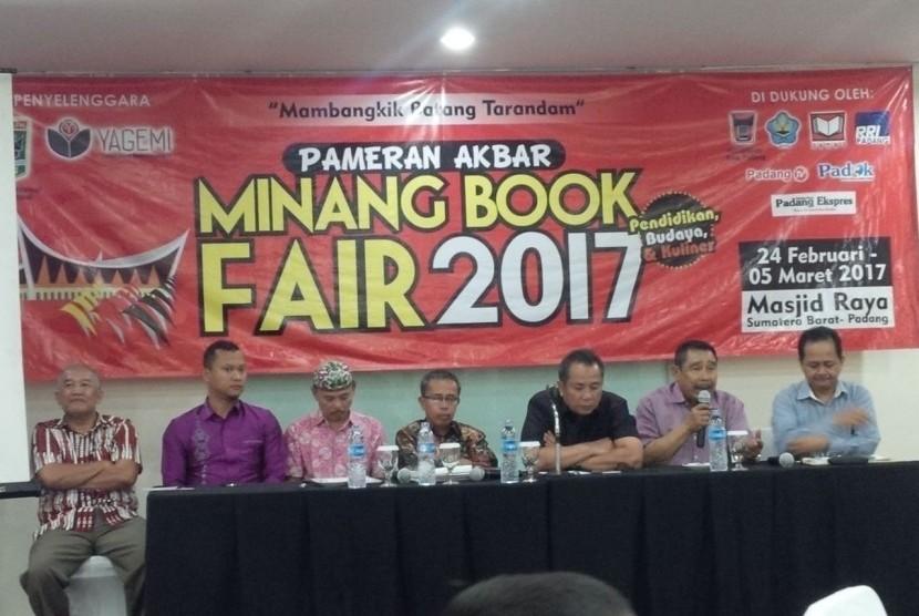 Suasana peluncuran Minang Book Fair (MBF) 2017 di Jakarta, Selasa (20/12/2016).