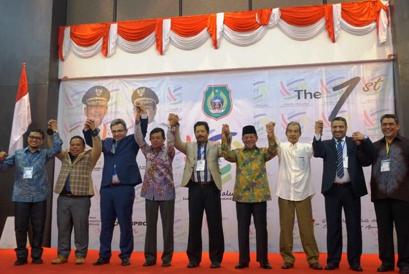 Suasana pembukaan The 1st North Maluku International Business Forum di Ternate, Malut, Ahad (16/4).