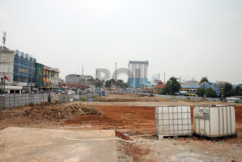 Proyek pembangunan MRT di Lebak Bulus, Jakarta Selatan, beberapa waktu lalu   (foto  :  MgROL30). -ilustrasi-