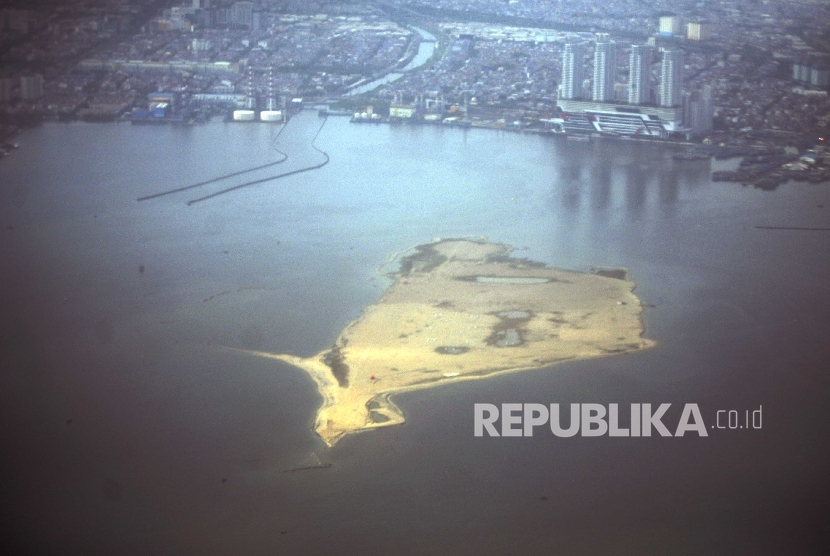 Reclamation islet, Jakarta bay. The photograph was taken on September 23, 2016.