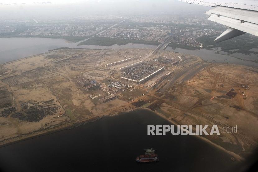 Suasana Pulau hasil reklamasi di Teluk Jakarta, Jumat (23/9).