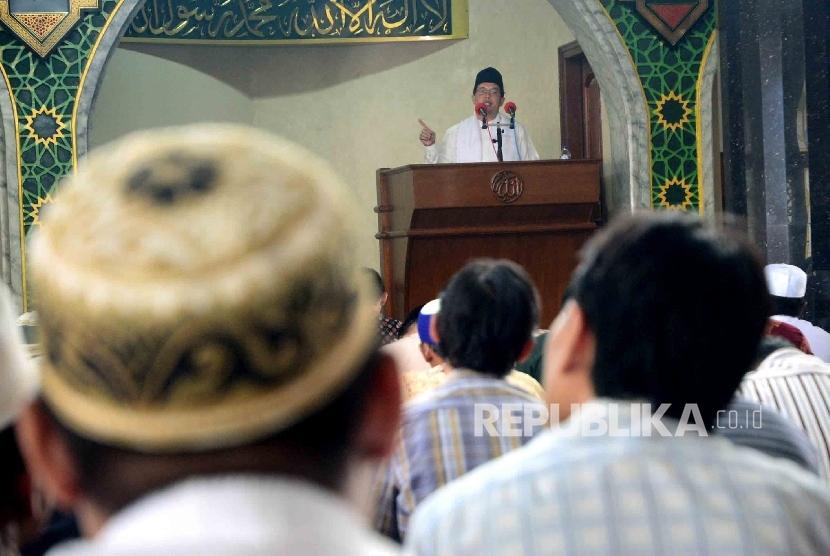 Suasana saat khutbah pada shalat Jumat.  (ilustrasi)