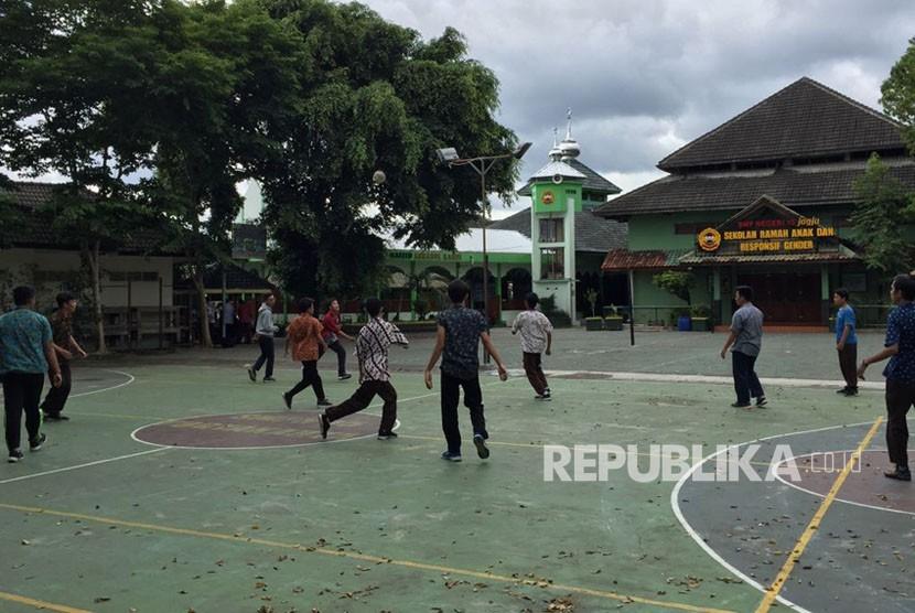 'Kasus Kesurupan di Yogyakarta Butuh Pendekatan Psikologis'