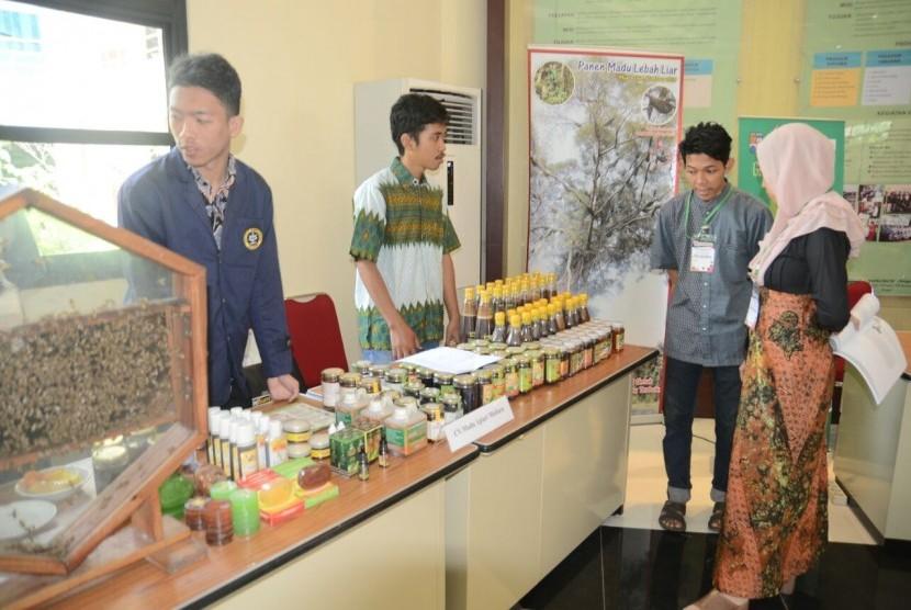 Suasana seminar nasional perlebahan yang digelar di IPB  Bogor, Sabtu (19/8).