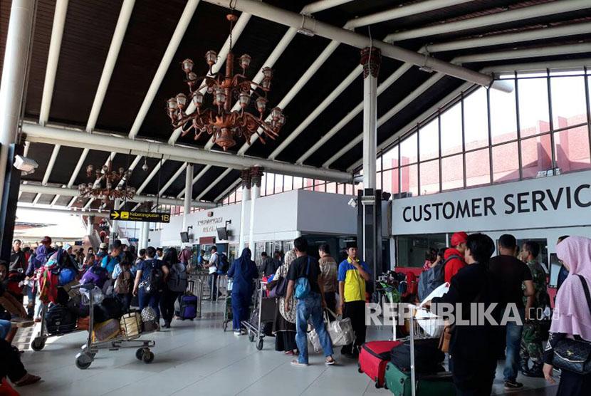 Suasana Terminal Keberangkatan 1B Bandara Soekarno-Hatta, Tangerang, Banten, jelang lebaran 2017, Senin (19/6).