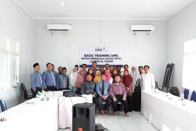 Suasana training Mitra Pengumpul Zakat (MPZ) yang diadakan oleh LAZ Al Azhar.