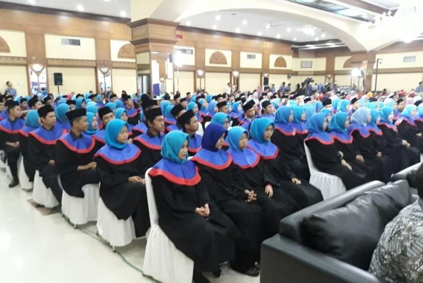 LAZ Al Azhar Gelar Wisuda Santri RGI Angkatan Ke-16