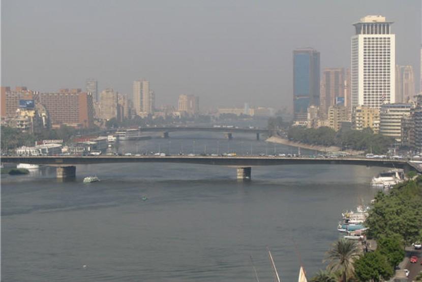 Sungai Nil yang membelah Kota Kairo, Mesir.
