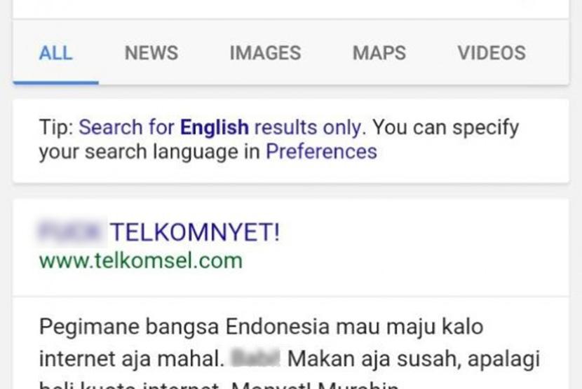 Tampilan halaman utama website Telkomsel yang dipenuhi kata-kata tidak etis pada Jumat (28/4) pagi.