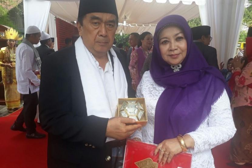 Kotak Kaca Bergrafir Jadi Suvenir Pernikahan Putri Jokowi