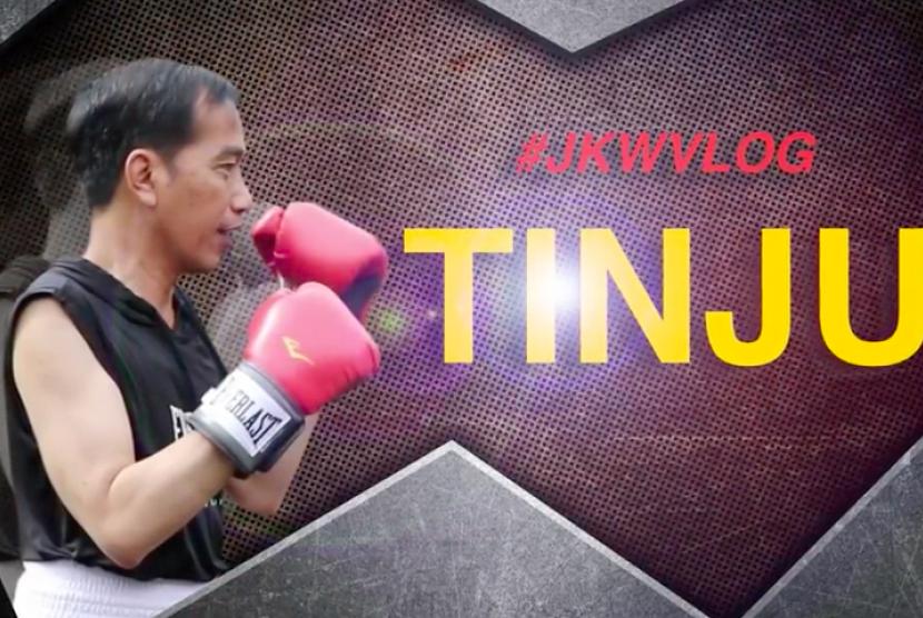 Tangkapan layar vlog Presiden Joko Widodo sedang berlatih tinju.