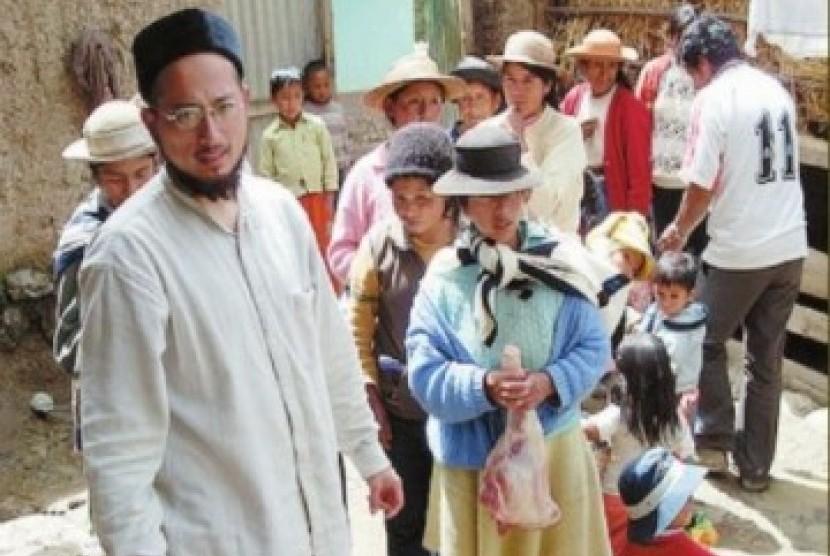 Tanpa memandang latar belakang agama, kaum miskin di Peru mendapat perhatian dari Muslimin setempat.