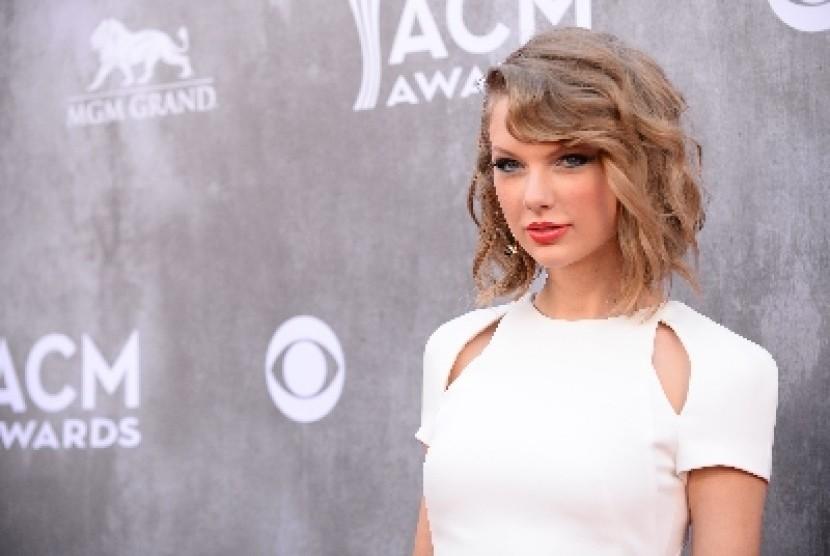 Permalink to Kembali ke Spotify, Taylor Swift Hasilkan Rp 5,3 Miliar