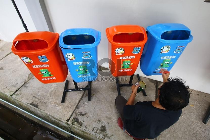 Minim Pelaku Usaha Tanam Pohon dan Sediakan Tong Sampah