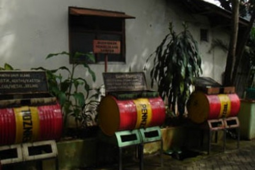 Lebak Sebar 100 Tong Sampah untuk Dukung K-3