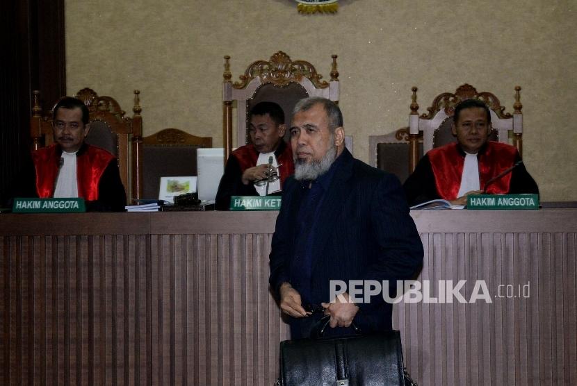 Terdakwa kasus dugaan suap judicial review di Mahkamah Konstitusi (MK) Patrialis Akbar menjalani sidang dengan agenda mendengarkan vonis Hakim di Pengadilan Tripikor, Jakarta, Senin(4/9).
