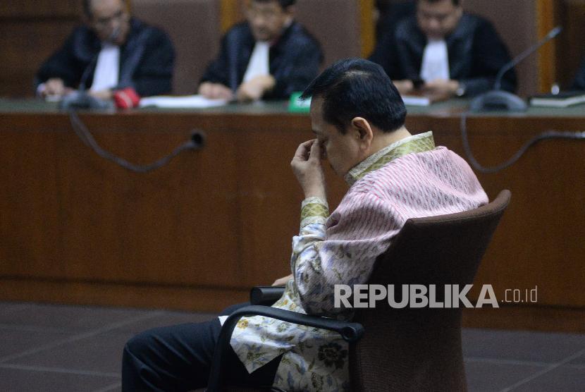 Terdakwa Kasus Korupsi Pengadaan KTP elektronik Setya Novanto mengikuti sidang lanjutan dengan agenda pembacaan tuntutan oleh Jaksa Penuntut Umum (JPU) KPK di Pengadilan Tipikor, Jakarta, Kamis (29/3).