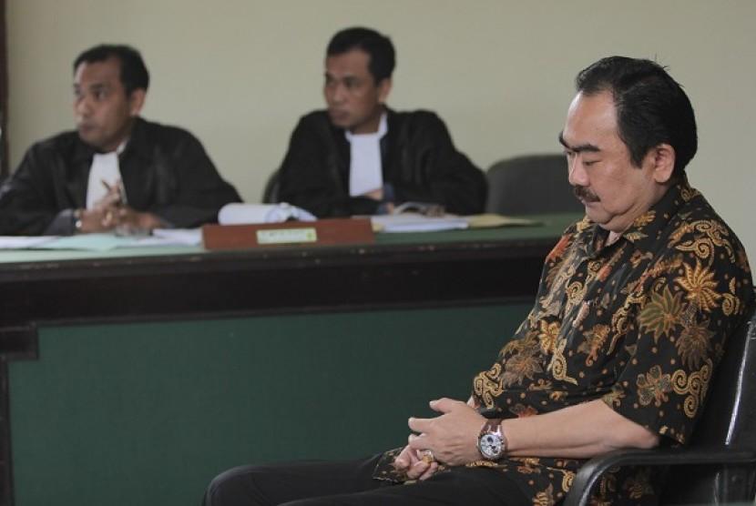 Terdakwa kasus pemalsuan dokumen PT Kertas Blabak, Suganto Abo