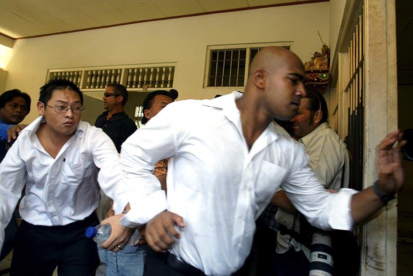 Warga Australia, Myuran Sukumaran dan Andrew Chan yang dieksekusi mati.