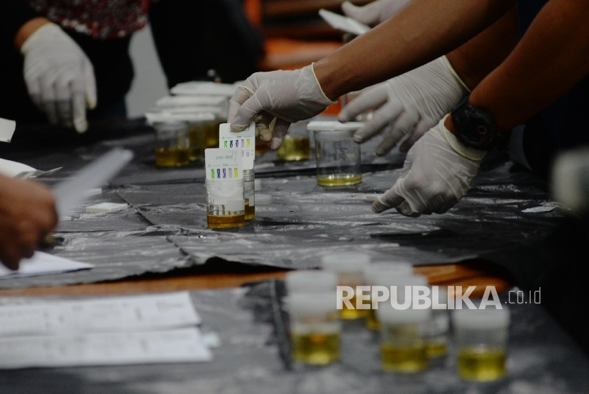 KPU Lombok Barat Terima Hasil Tes Kesehatan Tiga Paslon