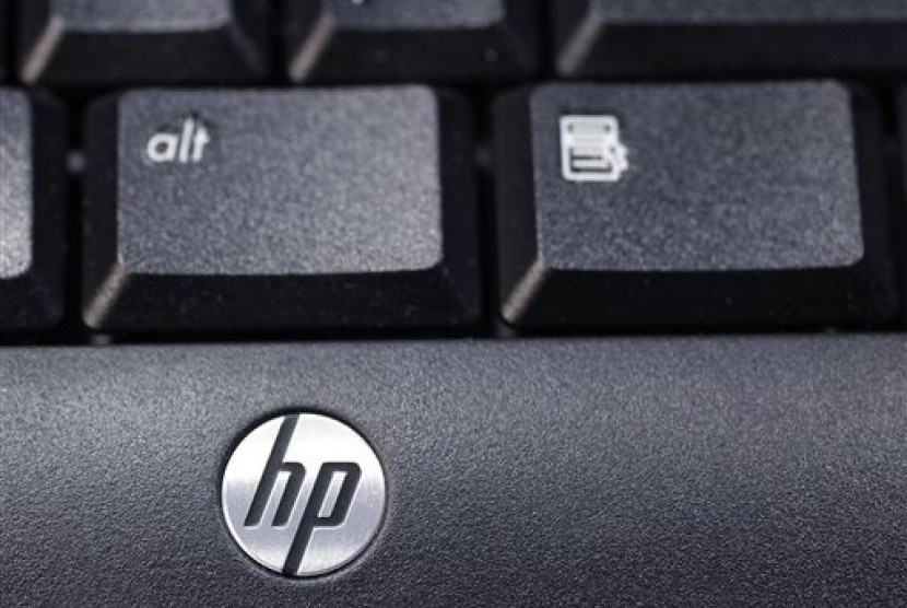 The company's logo on a Hewlett-Packard keyboard at the Micro Center computer store in Santa Clara