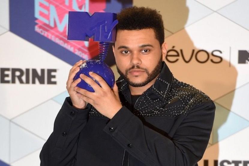 The Weeknd Enggan Kerja Sama dengan H&M; Kembali