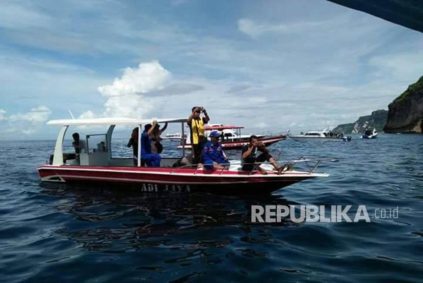 Tim khusus melakukan peninjauan langsung ke lokasi Perairan Manta Point di Nusa Penida. Seorang wisatawan asing asal Inggris bernama Rich Horner sebelumnya mengunggah video dirinya tengah diving di tengah lautan sampah di lokasi.