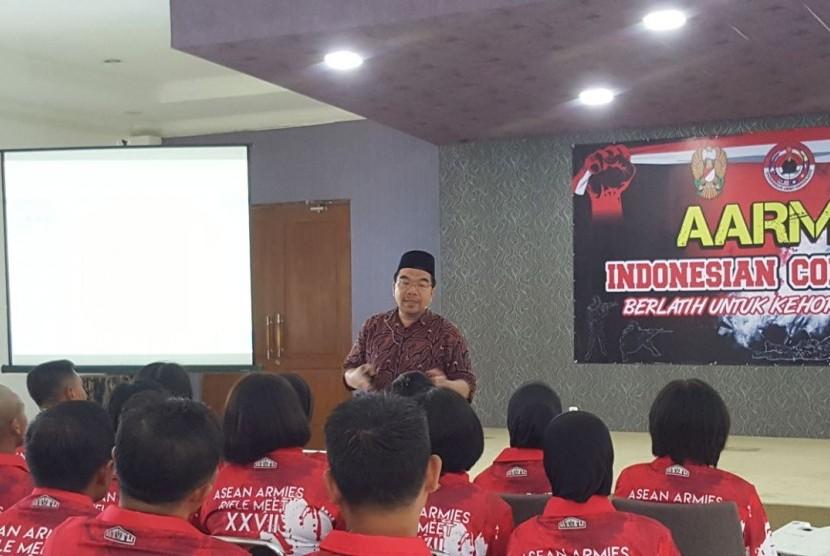 Tim nasional (timnas) Penembak dari TNI AD mendapatkan bekal pelatihan cara berpikir supra rasional oleh Raden Ridwan Hasan Saputra, Sabtu, (12/7).