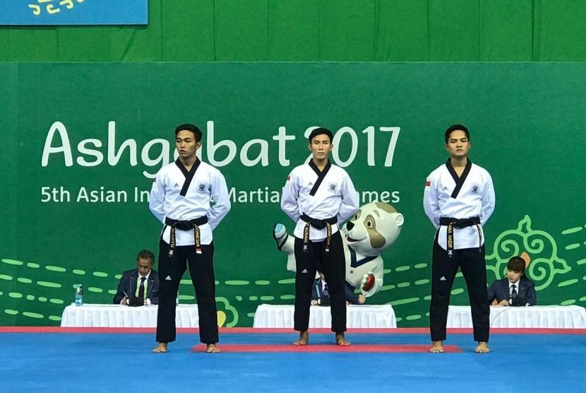 Tim Taekwondo Indonesia yang meraih emas di AIMAG 2017.