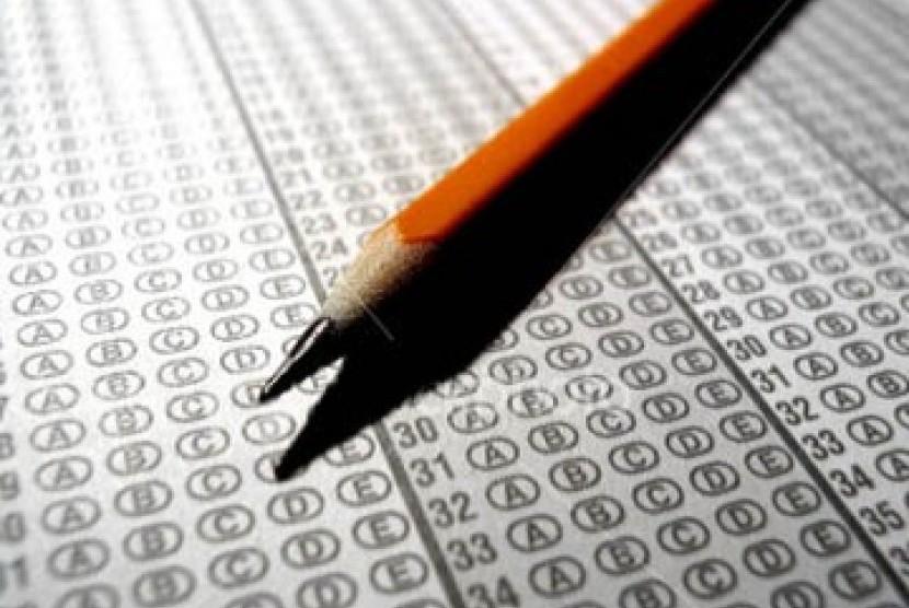 DPR Gugat Ujian Nasional SD