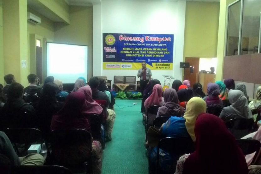Universitas BSI Bandung menggelar bincang bersama orang tua mahasiswa baru.