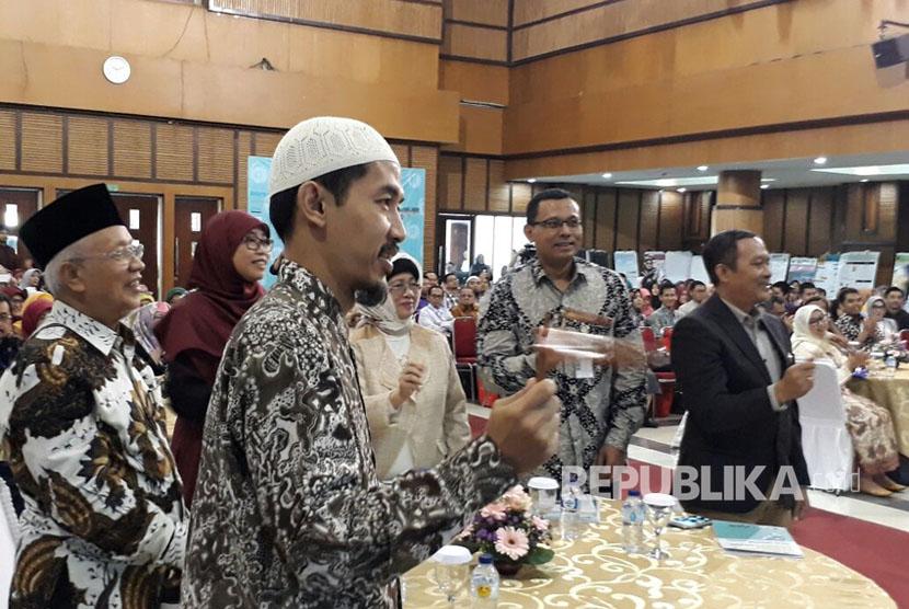 Universitas Islam Bandung (Unisba), menggelar Bandung Meeting on Global Medicine and Health, di Aula PT Bio Farma, Rabu (11/10). Hadir dalam acara tersebut Rektor Unisba Edi Setiadi dan Ketua Tim Penggerak PKK, Netty Prasetyani.