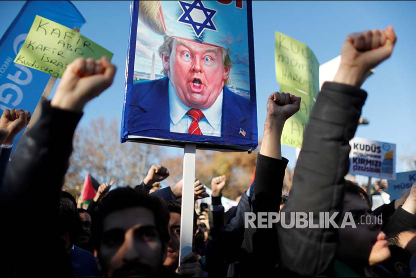 Aktivis di Paris Tolak Kedatangan Perdana Menteri Israel