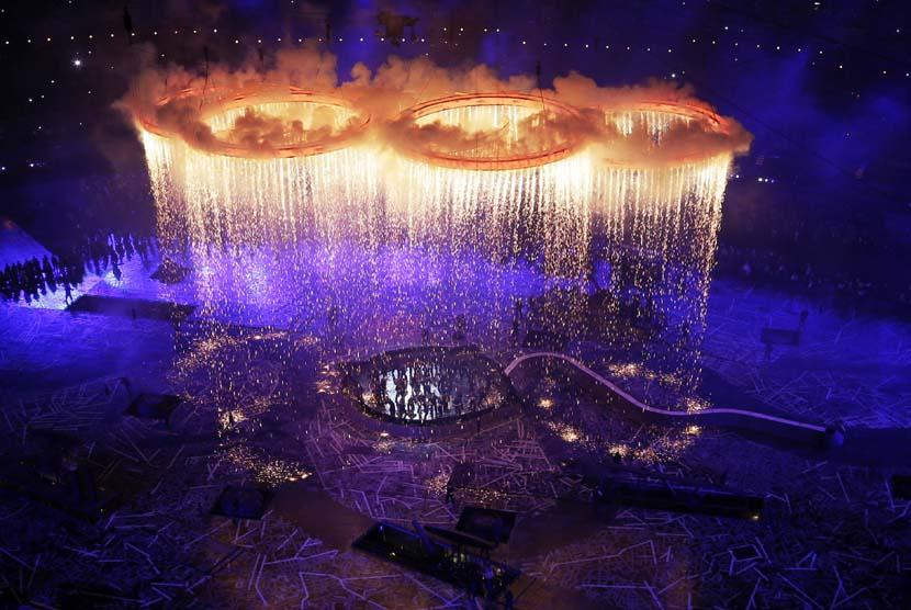 Upacara pembukaan Olimpiade 2012 di Olympic Park, London, Sabtu (28/7 ...