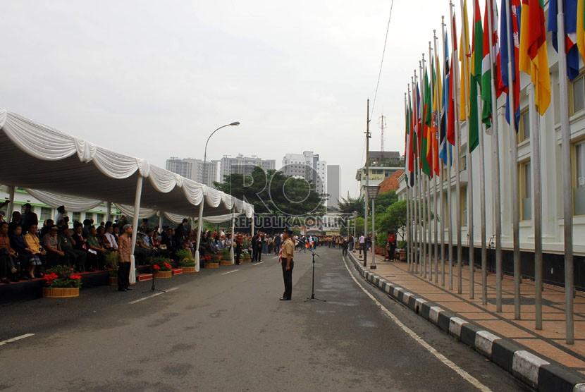 Upacara peringatan Konferensi Asia Afrika di jalan Asia-Afrika, Bandung, Kamis (18/4). (Republika/Arief Maulana Hasan)