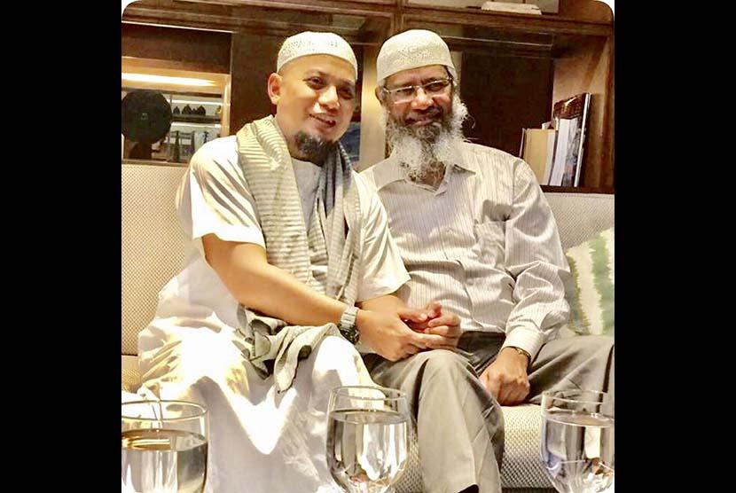Ustaz Arifin Ilham bersama DR. Zakir Naik