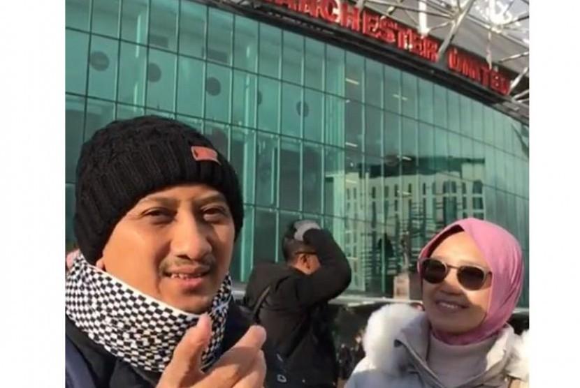 Ustaz Yusuf Mansur saat berada di Manchester, Inggris.