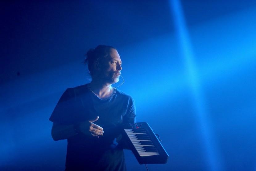 Permalink to 'Merdekakan Palestina!' Saat Radiohead Pentas di Glastonbury