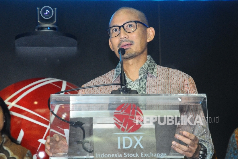 Jakarta Deputy Governor-elect, Sandiaga Uno, addresses his speech when opening the trade at Indonesia Stock Exchange (BEI), Jakarta, Friday (June 2).